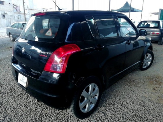 Suzuki Swift 1.3 DLX 2017